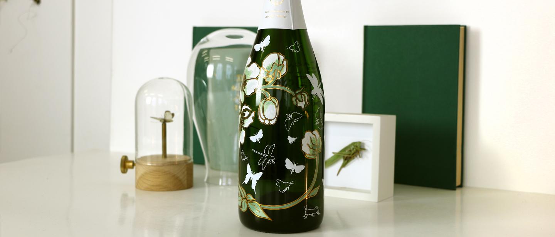 巴黎之花推出两款限量版香槟,共庆佳节。